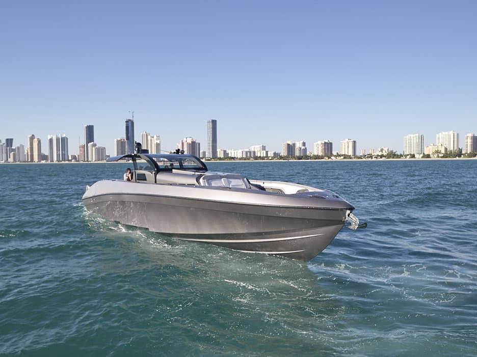 The Midnight Express 60' Pied-a-Mer