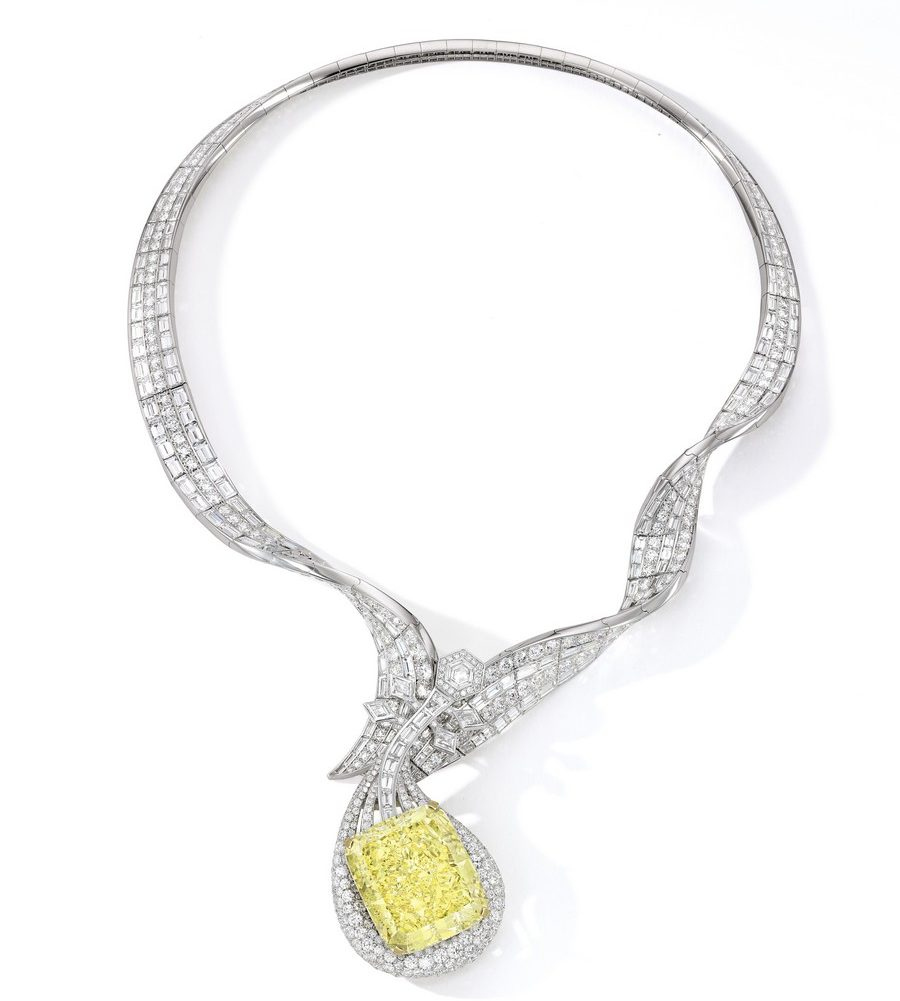 Anna Hu The Dunhuang Pipa Necklace selling at Sothebys