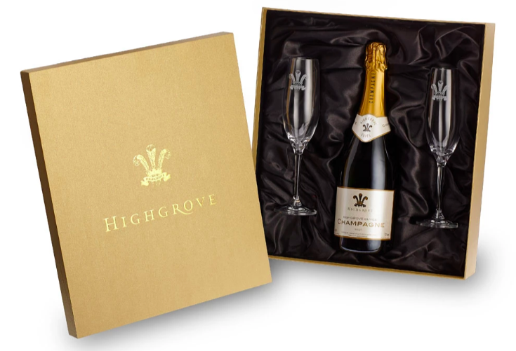 Highgrove Cuvee Champagne and 2 Champagne Flutes Gift Set