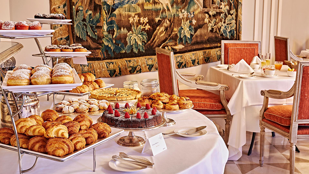 Breakfast at the San Clemente Palace Kempinski in Venice