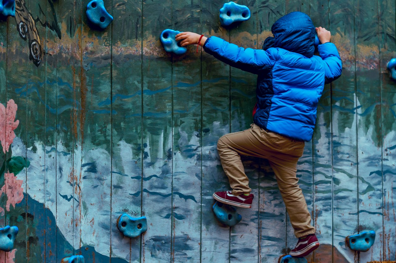 wall climb game you can do indoors