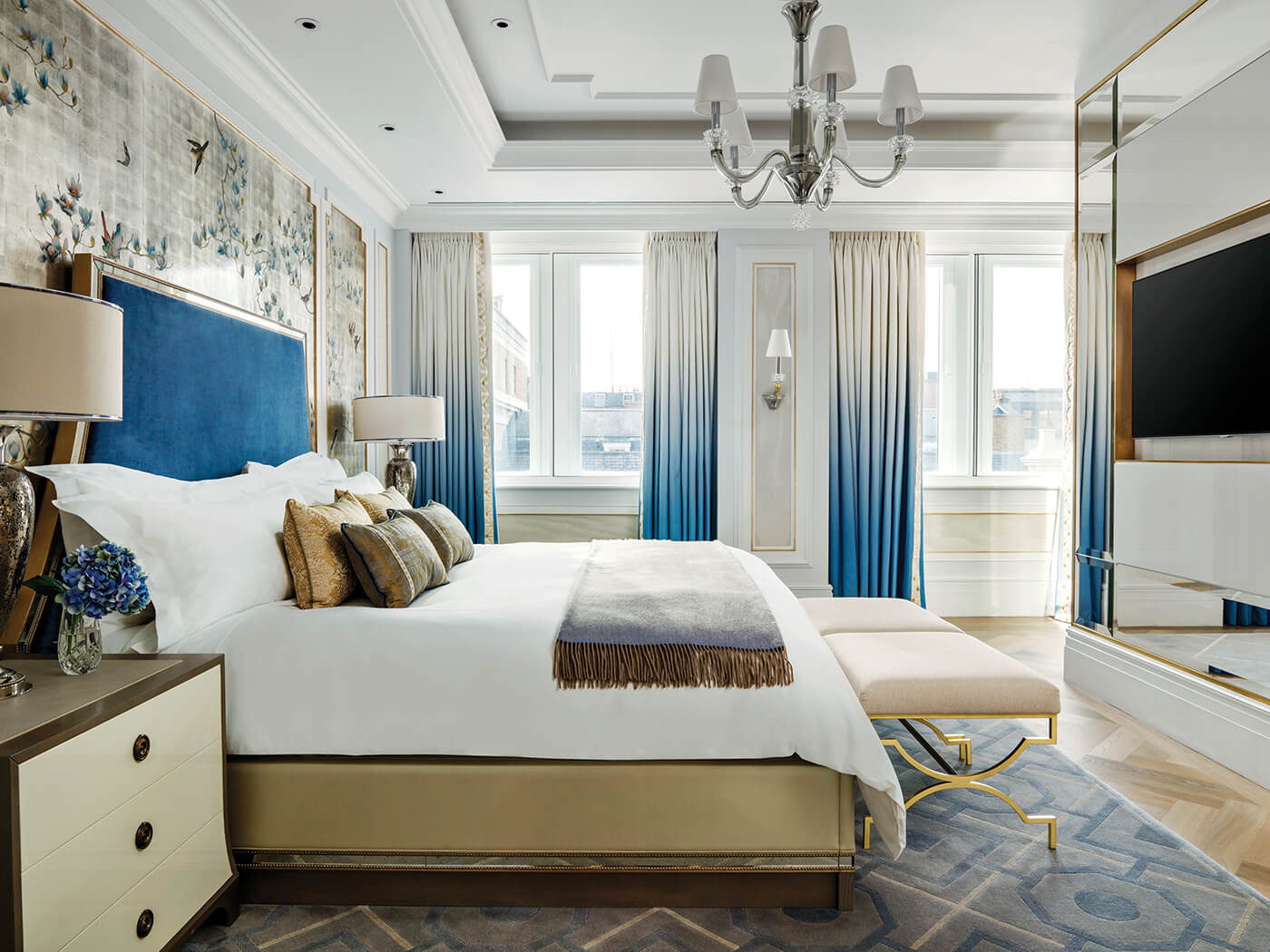 The Sterling Suite-Master Bedroom at The Langham London