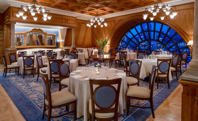 Reminiscent of a classic 19th-century private club, The Crescent Club brings classic glamour back to the dining experience