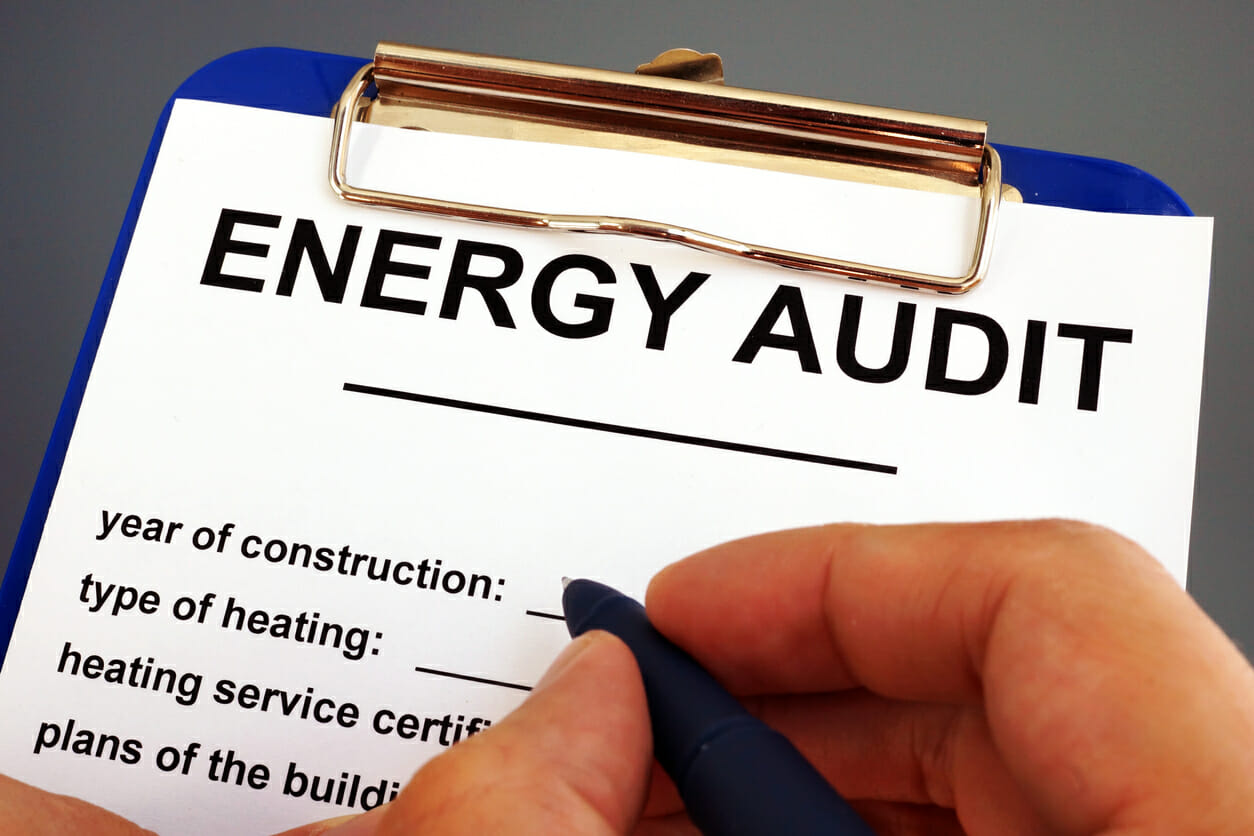 hire a professional to conduct a house energy efficiency audit