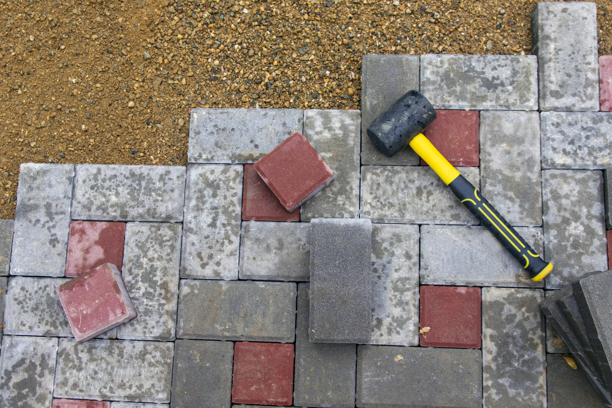 hammer tool for your backyard remodeling