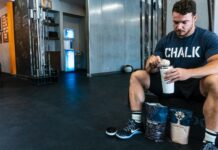 men taking supplements for growth